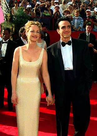 Arriving at the 69th Academy Awards (March 24, 1997)